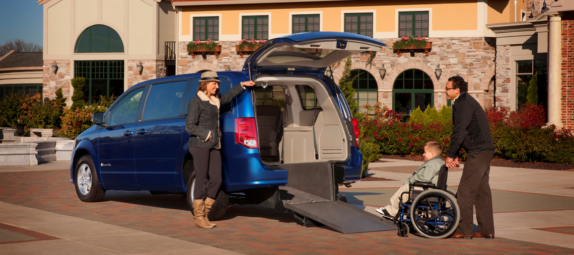 Braun-Dodge-Rear-Entry-Lifestyle