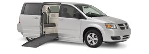 Dodge-Chrysler-Braun-Companion-Van-Low-Res