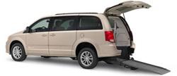 Dodge-Chrysler-Braun-Vision-Rear-Entry-Low-res-250