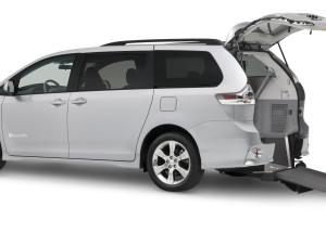 Toyota Braun Rear Entry